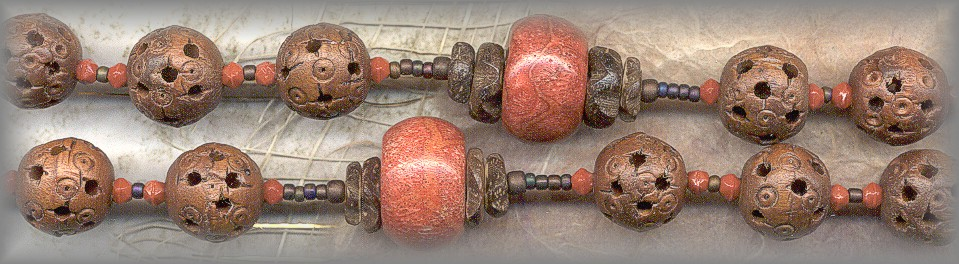 CHAPLET: wood and coral beads