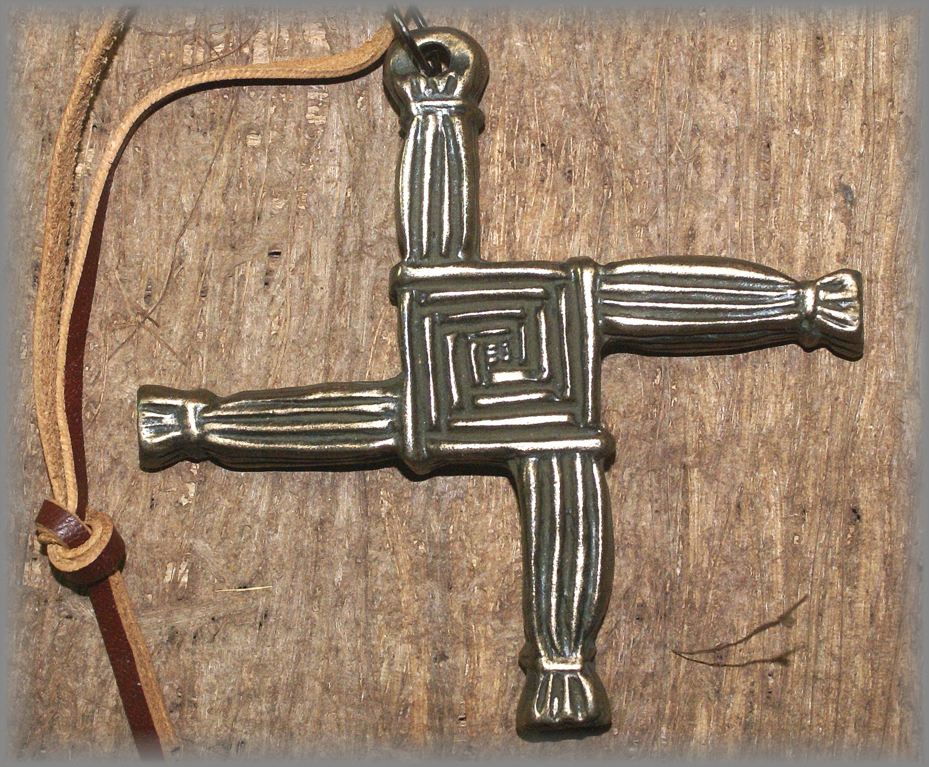 ST BRIGID CROSS - click icon for more information)